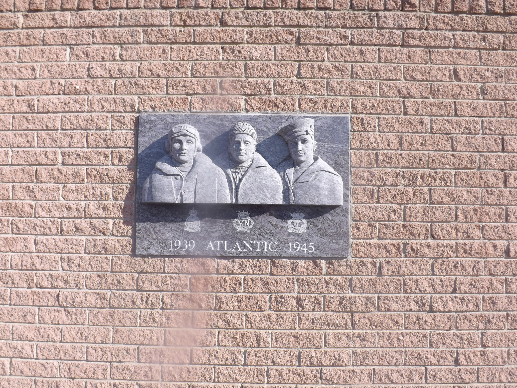 Memorial to the RN, RAF and MN that served in the Atlantic 1939-1945 -  Taken by Ray Spence 30 Sep 2015
